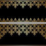 Tarjeta negra con el ornamento del vintage del oro Foto de archivo libre de regalías