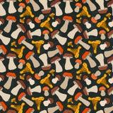 Tarjeta negra Mízcalo, boleto o Porcini y Aspen Mushroom Seamless Endless Pattern Otoño o colección de la cosecha de la caída Rea stock de ilustración