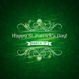 Tarjeta para el día del St. Patricks con el texto y mucho shamr Imágenes de archivo libres de regalías