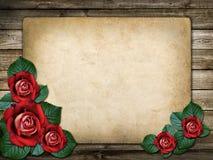 Tarjeta para la invitación o la enhorabuena con las rosas rojas Fotografía de archivo