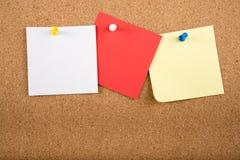Tarjeta pegajosa de la nota de la nota a bordo Fotos de archivo