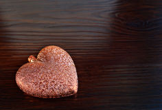 Tarjeta por día del ` s de la tarjeta del día de San Valentín con el corazón Fotos de archivo libres de regalías