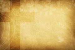 Tarjeta religiosa con las flores de la tela y la cruz grande fotos de archivo libres de regalías