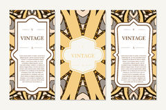 Tarjeta retra con la mandala Fondo de la vendimia con el lugar para el texto Plantilla gráfica para su diseño Ornamento decorativ Imagen de archivo libre de regalías
