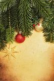 Tarjeta retra de la Navidad con la frontera y la decoración Imágenes de archivo libres de regalías