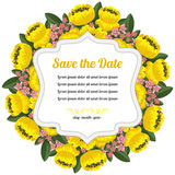 Tarjeta retra redonda con las flores amarillas Imágenes de archivo libres de regalías