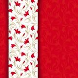 Tarjeta roja con el estampado de flores. Foto de archivo