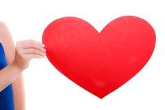 Tarjeta roja del corazón Símbolo del amor Símbolo del día de San Valentín del control de la mujer Foto de archivo