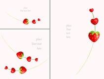 Tarjeta romántica de la fresa de la secuencia del corazón dulce jugoso de la tarjeta del día de San Valentín con el espacio en bl Imagen de archivo libre de regalías