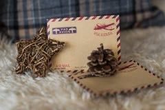 Tarjeta vacía del vintage con las decoraciones de la Navidad Imágenes de archivo libres de regalías