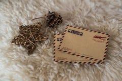 Tarjeta vacía del vintage con las decoraciones de la Navidad Foto de archivo