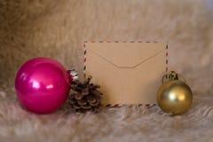 Tarjeta vacía del vintage con las decoraciones de la Navidad Fotografía de archivo libre de regalías