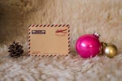 Tarjeta vacía del vintage con las decoraciones de la Navidad Fotografía de archivo