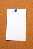 Tarjeta vacía en una vertical de la tarjeta Imagen de archivo libre de regalías