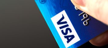Tarjeta Visa disponible fotos de archivo