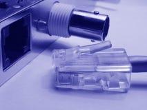 Tarjeta y conector de red foto de archivo libre de regalías