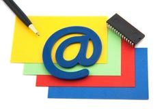 Tarjetas coloridas del blansk con símbolo del email Foto de archivo