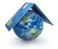 Tarjetas de crédito con el globo (trayectoria de recortes incluida) Imágenes de archivo libres de regalías