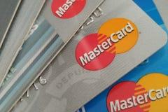 Tarjetas de crédito de Mastercard Fotos de archivo libres de regalías