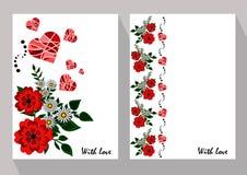Tarjetas de felicitación con las manzanillas abstractas y las flores rojas en ethni Foto de archivo