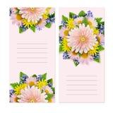 Tarjetas de la invitación con las flores Foto de archivo libre de regalías