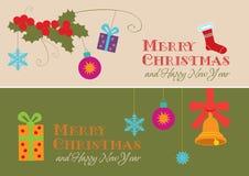 Tarjetas de Navidad con acebo y regalos Imagen de archivo