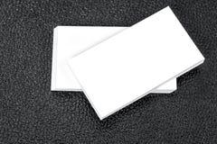 Tarjetas de visita en blanco Mofa para arriba para sus informaciones Imagen de archivo libre de regalías