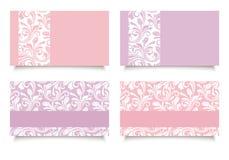 Tarjetas de visita rosadas y púrpuras con los estampados de flores Vector EPS-10 Foto de archivo libre de regalías