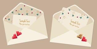 Tarjetas del día de tarjeta del día de San Valentín con los sobres Fotos de archivo libres de regalías
