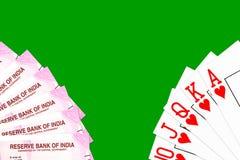 Tarjetas del póker mezcladas en la tabla fotografía de archivo libre de regalías