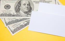 Tarjetas y dinero de visita Fotografía de archivo libre de regalías
