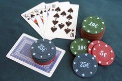 Tarjetas y microprocesadores del póker Juego de póker Fotos de archivo libres de regalías