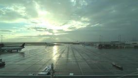 Tarmac van de luchthaven binnenlands vertrek van Vancouver stock videobeelden