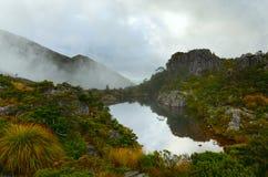 Tarn blisko Fenella budy, Kahurangi park narodowy zdjęcie stock