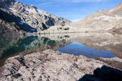 Tarn over the dolomites Royalty Free Stock Photos