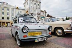 Tarnopol Ukraina - Oktober 09, 2016: Klassisk retro bil Trabant Arkivfoto