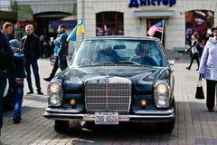 Tarnopol Ukraina, Październik, - 09, 2016: Klasyczny retro samochodowy Mercedez Fotografia Royalty Free