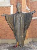 TARNOW-monumento de Juan Pablo II, Polonia imagenes de archivo