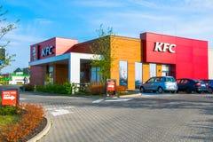 Tarnowskie sanglant, Pologne - 14/04/2019 - restaurant Kfc photographie stock