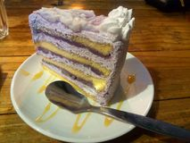 Taro Cake-Schicht stockfotografie