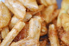 Taro cuit à la friteuse Images stock
