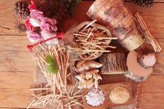 Taro e bastone freschi del taro con sale Fotografia Stock