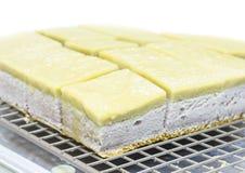 Taro Szyfonowy tort z taro Tajlandzkim Custard obrazy stock