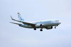 Tarom 737 i retro livré Fotografering för Bildbyråer
