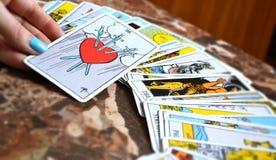 Tarot читая 3 карточки шпаг Стоковое фото RF