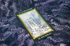 Tarotkaart de Kluizenaar Het dek van het Favoletarot Esoterische Achtergrond royalty-vrije stock foto's
