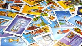 Tarotkaarten 78 die Kaarten op een lijst worden getoond stock foto's