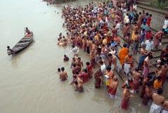 tarpan hinduiska ritualer Fotografering för Bildbyråer