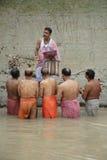 tarpan hinduiska ritualer Arkivbild