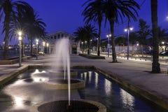TarragonaÂ的散步在黎明 免版税图库摄影
